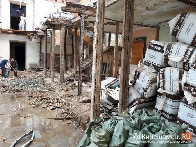 Поликлинику имени Захаровой ремонтируют почти в круглосуточном режиме фото 10