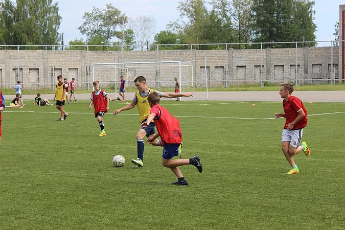 Дворовые футбольные команды начали борьбу за Кубок Александра Пахолкова фото 10