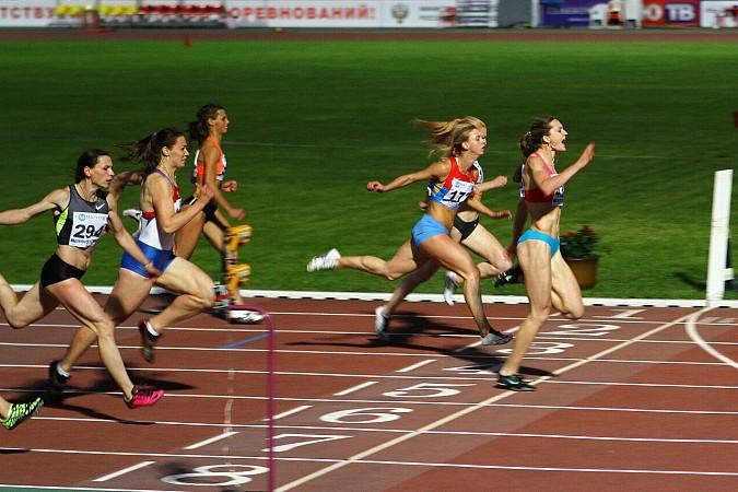 В Кинешемском парке тренируется чемпионка России по спринтерскому бегу Анна Кукушкина фото 9