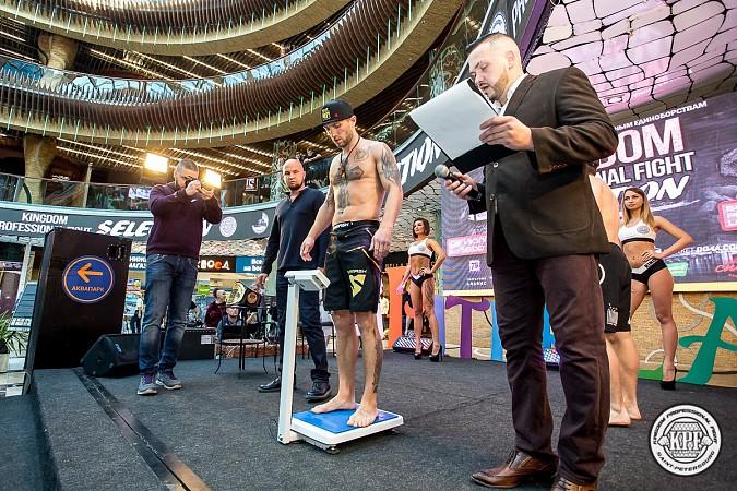 Кинешемский боец по прозвищу Питерский крест впервые уступил на профессиональном ринге фото 5