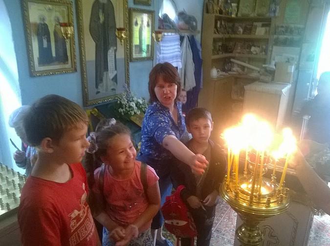 Школьники посетили храм Петра и Февронии Кинешемской епархии фото 2