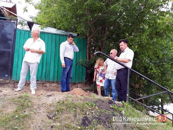 Александр Пахолков осмотрел ход ремонта тротуаров в центре Кинешмы фото 4