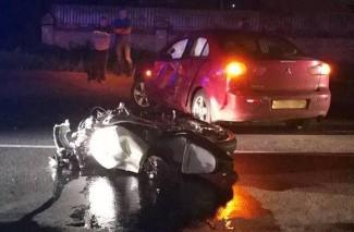 На ивановской улице водитель «Мицубиси» сбил парня на мотоцикле без госномера фото 2