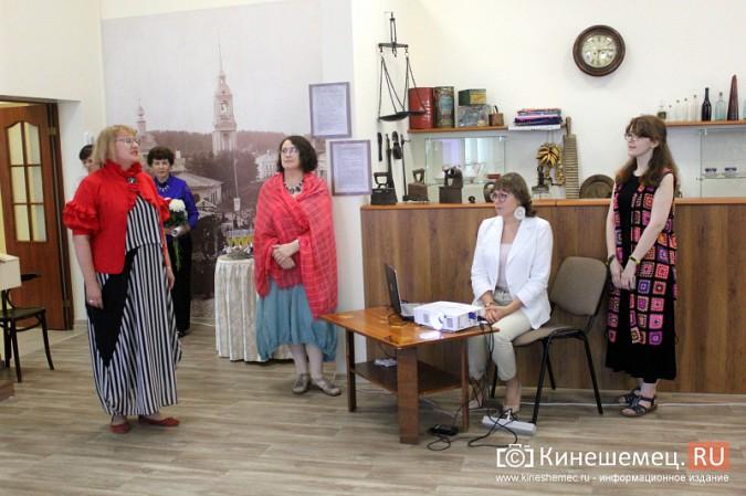 В Кинешме открылась выставка Натальи и Ксении Ледовых фото 3