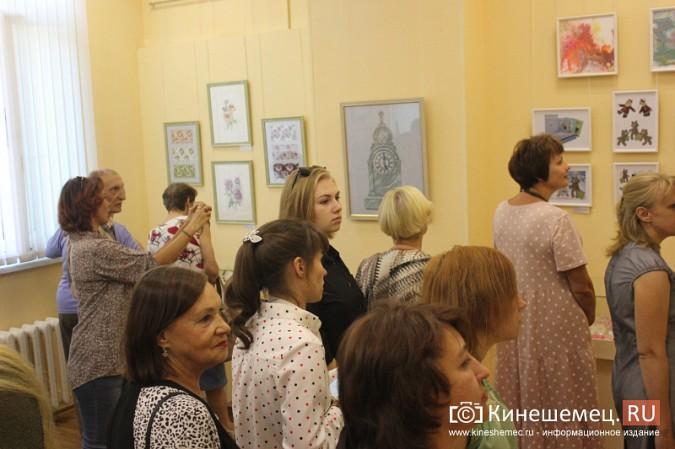 В Кинешме открылась выставка Натальи и Ксении Ледовых фото 9