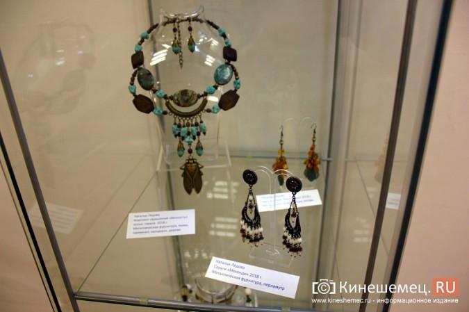 В Кинешме открылась выставка Натальи и Ксении Ледовых фото 14