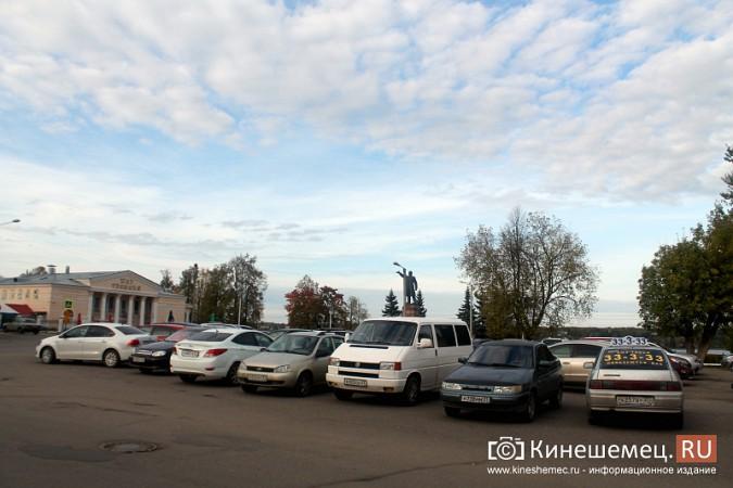 Стоянку машин у памятника Ленину запретят в ближайшие дни фото 3