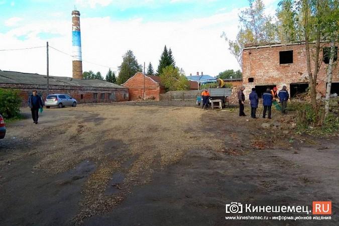 Стоянку машин у памятника Ленину запретят в ближайшие дни фото 8