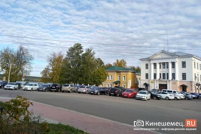 Стоянку машин у памятника Ленину запретят в ближайшие дни фото 4