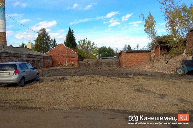 Стоянку машин у памятника Ленину запретят в ближайшие дни фото 6
