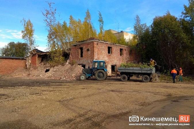 Стоянку машин у памятника Ленину запретят в ближайшие дни фото 11