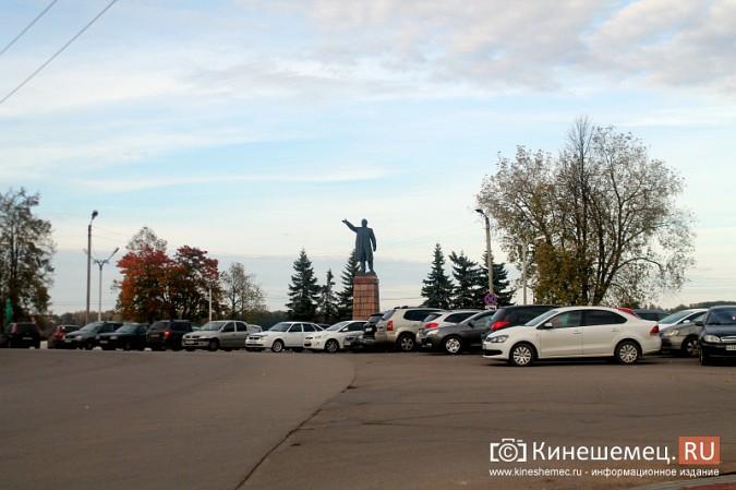 Стоянку машин у памятника Ленину запретят в ближайшие дни фото 2