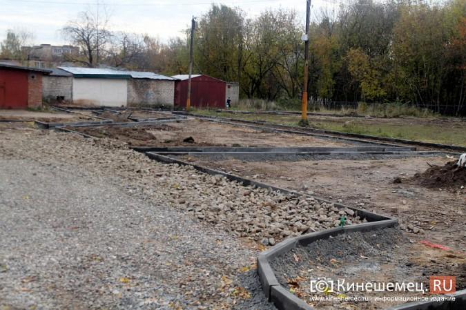 В микрорайоне «Автоагрегат» продолжаются работы по благоустройству досуговой площадки фото 22