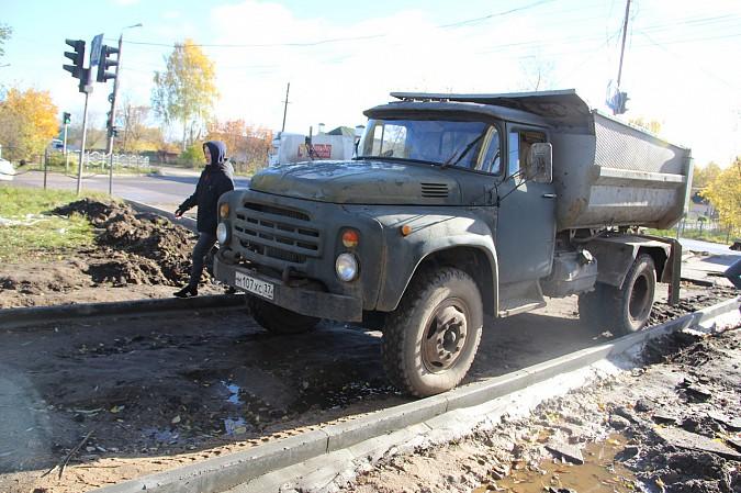 Михаил Батин и депутаты проконтролировали ремонт тротуара на Щорса фото 5
