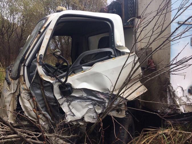 Женщина за рулем «Лады» пострадала при лобовом столкновении на трассе Иваново-Кинешма фото 8