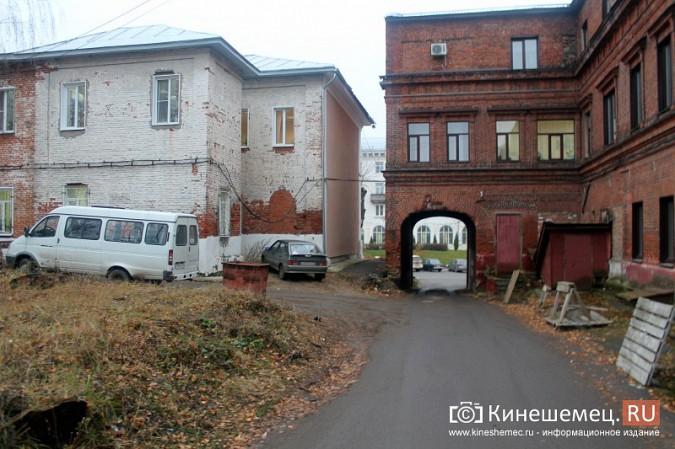 Власти Кинешмы поторопились зазывать на новую парковку в центре города фото 6
