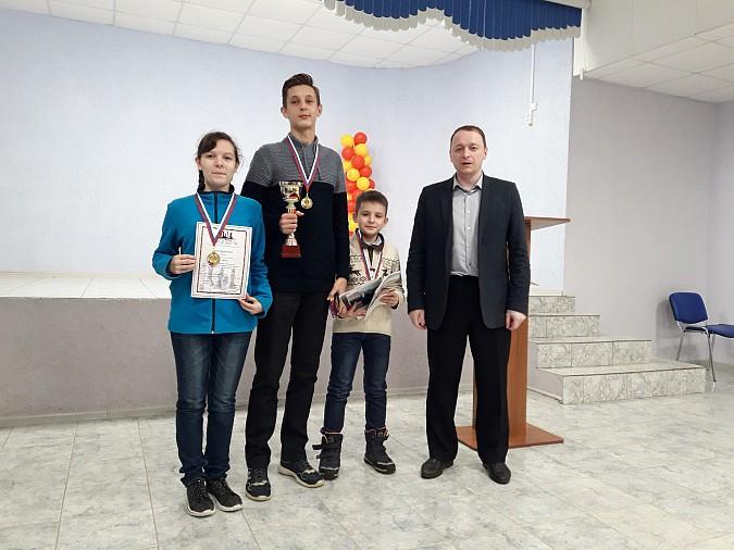 18 команд шахматистов из районов сразились в Луговом фото 3