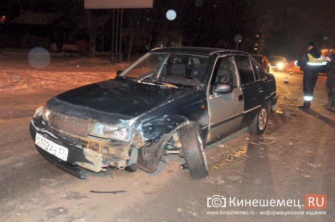 На улице им.М.Горького лоб в лоб столкнулись две иномарки фото 2