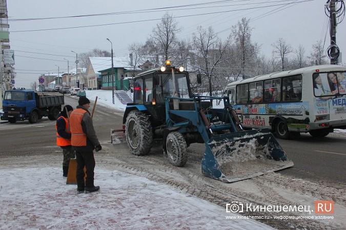 Ночной снегопад не стал тяжелым испытанием для коммунальщиков фото 17