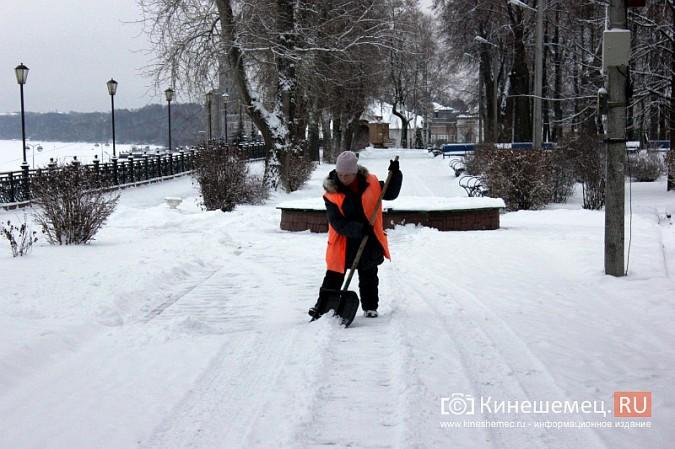 Ночной снегопад не стал тяжелым испытанием для коммунальщиков фото 15