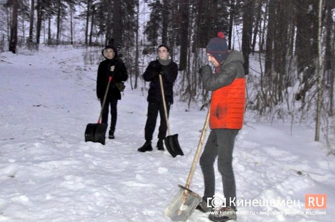 Кинешемский лихач на «УАЗе», испортивший лыжные трассы, приступил к их восстановлению фото 3