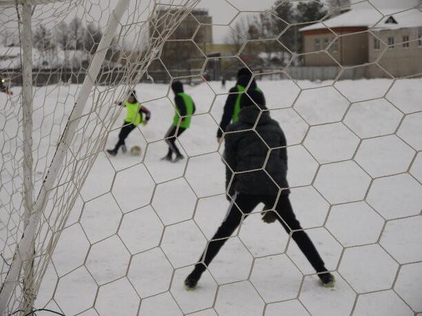 Кинешемские футболисты завоевали серебро турнира дворовых команд в Родниках фото 8