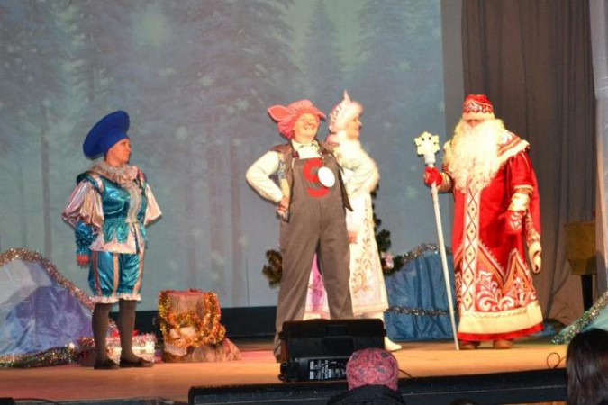 В Заволжске выясняли, кто испортил костюм Деда Мороза фото 3