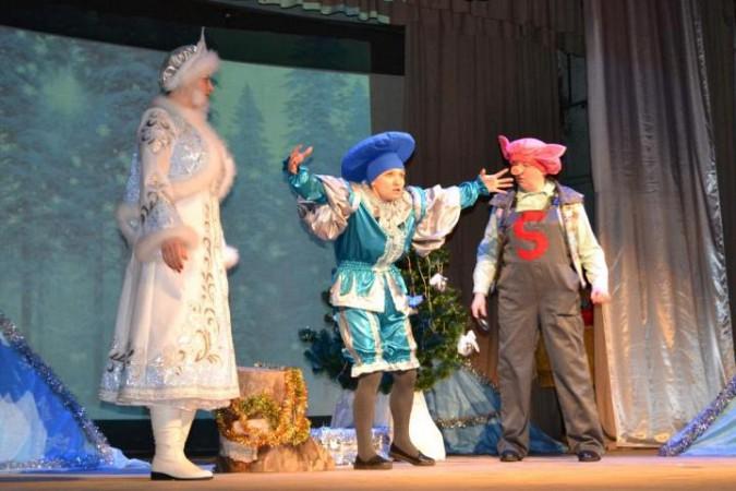 В Заволжске выясняли, кто испортил костюм Деда Мороза фото 2
