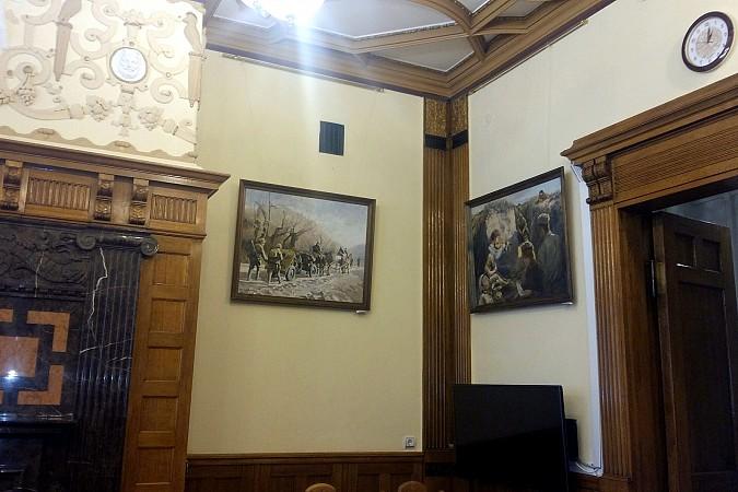 В Ивановской областной думе экспонируются картины кинешемской художницы фото 4