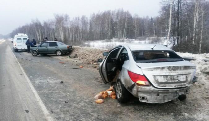 На трассе в Ивановской области столкнулись «Volkswagen» и «Hyundai» фото 3