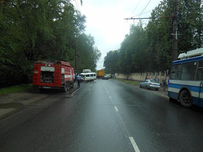 ВДТП сучастием маршрутки вИваново пострадали семь человек