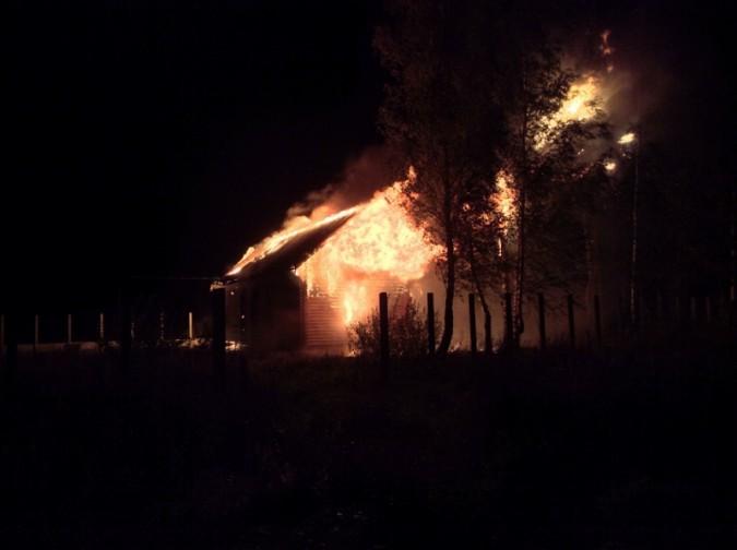 ВИвановском районе ночью сгорели 3 недостроя вкоттеджном поселке