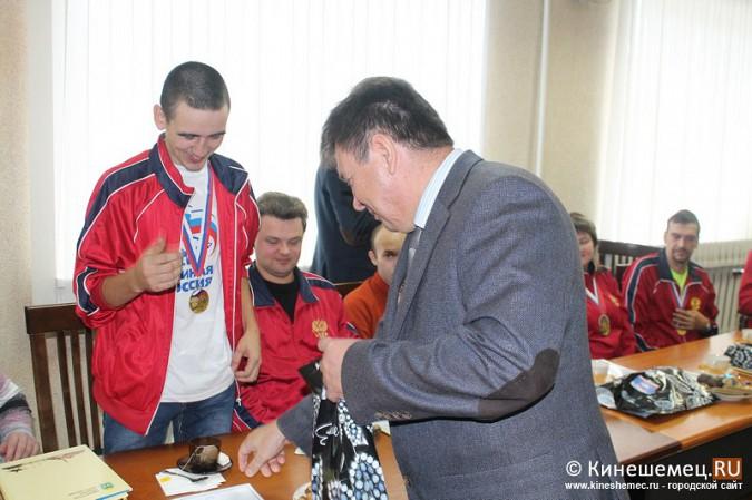 В Кинешме торжественно чествовали паралимпийцев фото 19