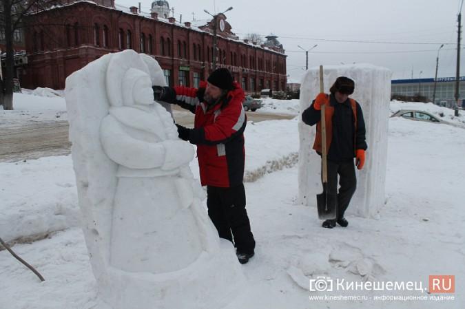 Погода и вандалы помешали строительству снежного городка фото 2