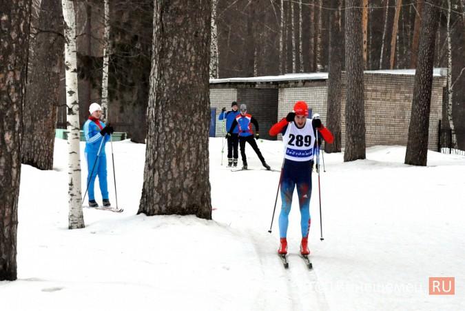Лыжники из спортивных школ Ивановской области соревновались в кинешемском парке фото 5