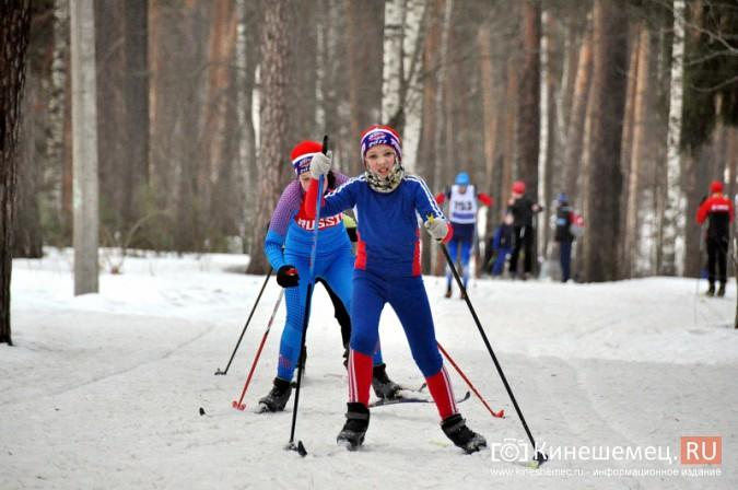 Лыжники из спортивных школ Ивановской области соревновались в кинешемском парке фото 12