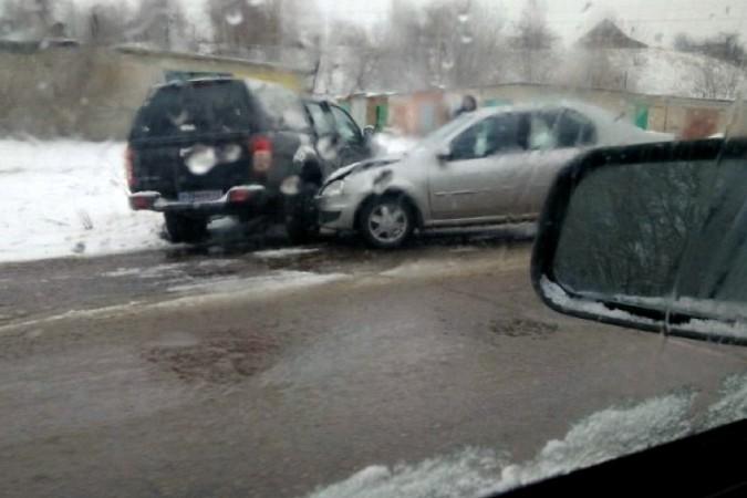 Снегопад стал причиной нескольких ДТП на улицах Кинешмы фото 5