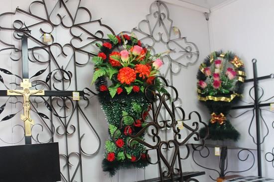 Ритуальный магазин открылся на кладбище «Затенки» фото 8