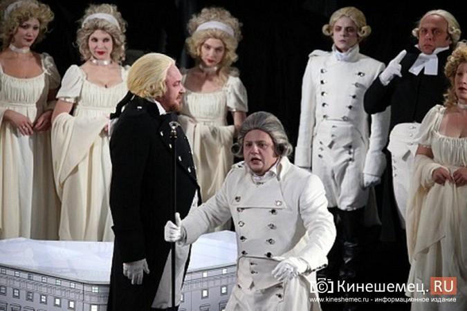 На сцене кинешемского театра «убили» Павла I фото 5