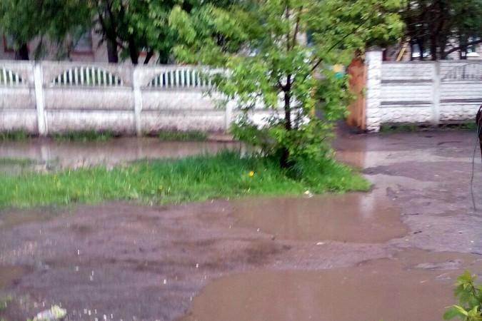 Кинешемские тротуары ушли под воду фото 4