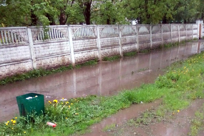 Кинешемские тротуары ушли под воду фото 3