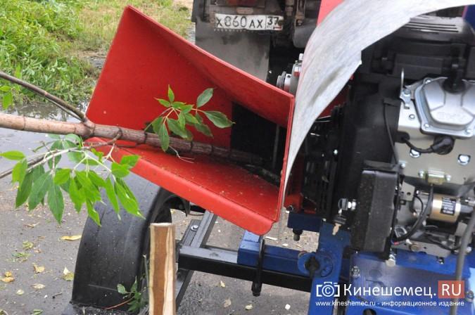 УГХ Кинешмы испытало новую машину для измельчения веток фото 6