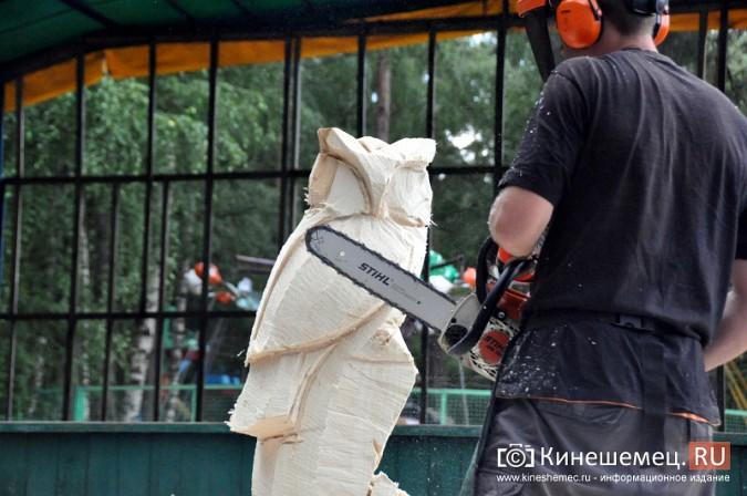 Лучший резчик России Андрей Большаков сделал кинешемцам мудрый подарок фото 6