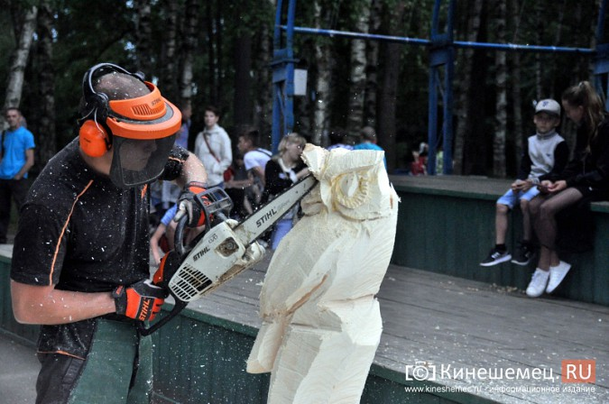Лучший резчик России Андрей Большаков сделал кинешемцам мудрый подарок фото 9