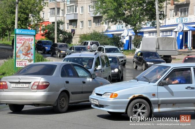 ДТП у Кузнецкого моста в Кинешме спровоцировало многокилометровую пробку фото 6