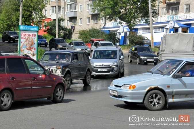 ДТП у Кузнецкого моста в Кинешме спровоцировало многокилометровую пробку фото 5