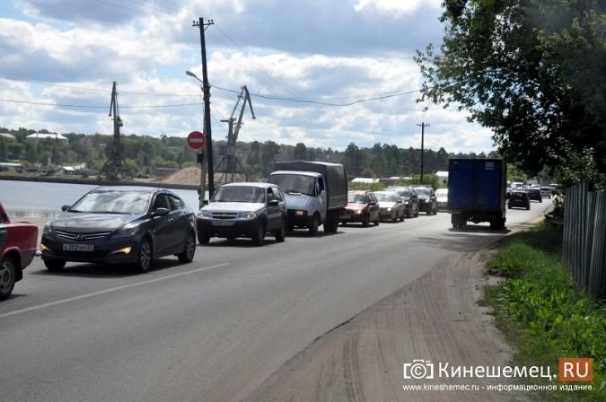 ДТП у Кузнецкого моста в Кинешме спровоцировало многокилометровую пробку фото 4